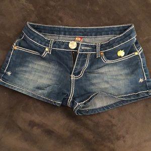 Apple bottoms jean shorts